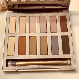 Naked Ultimate Basics Eyeshadow Palette
